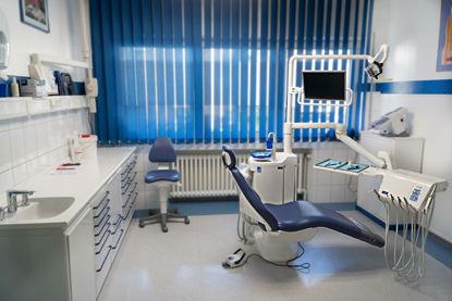 Hier sollte eigentlich das Bild unseres Behandlungsraumes 2 sein.